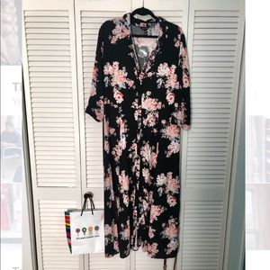 NWT - New Look floral button down maxi dress